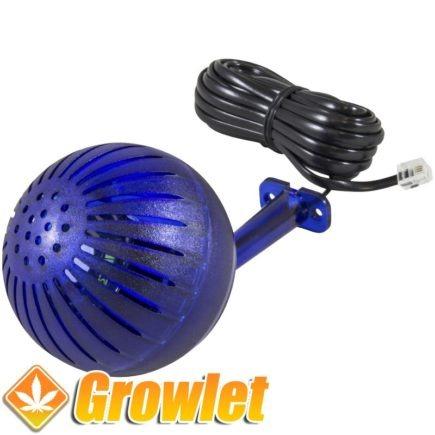 bola de plastico azul con cable