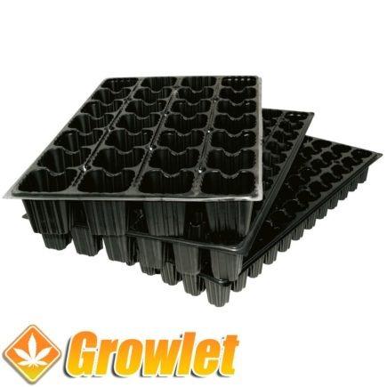 bandeja de plastico negro para germinar semillas