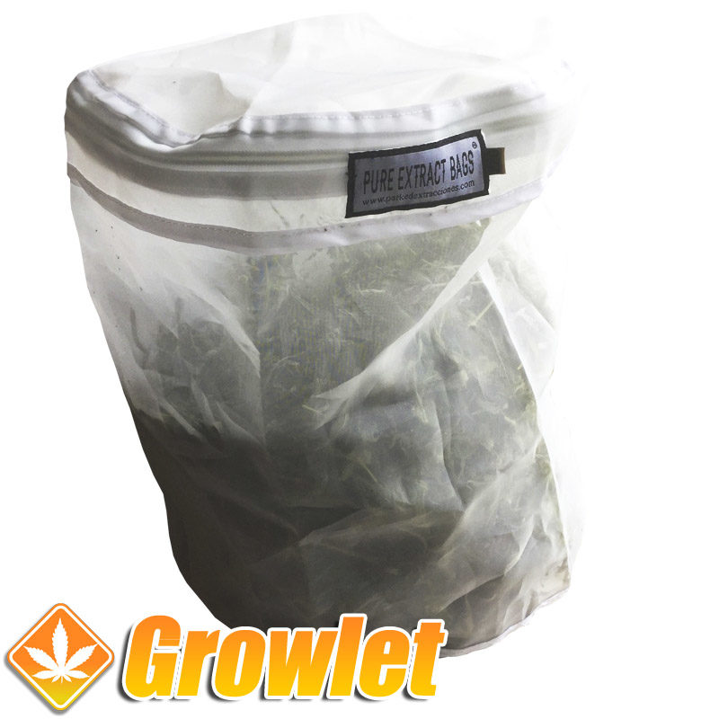 Bolsa lavadora Pure Extracts Bags cerrada y cargada de hierba